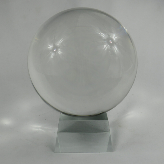 Sfera di cristallo con base in vetro