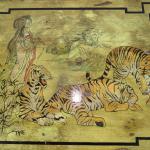 Scatola in legno con tigri