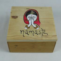 Scatola in legno con Namasté